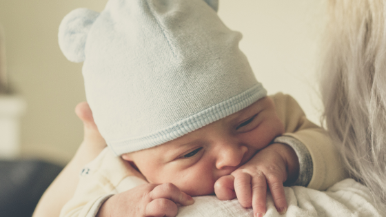 5 Ways To Help New Moms #newmotherhood #momlife #4thtrimester